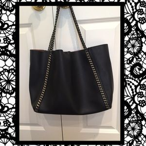 🌻Black faux leather tote🌻
